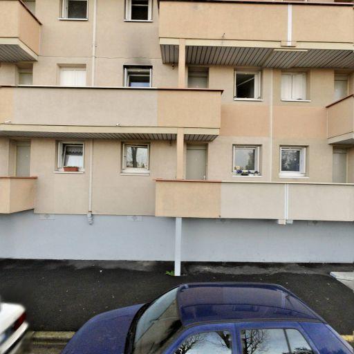 Trouinard Sandrine - Coiffeur à domicile - Saint-Germain-en-Laye