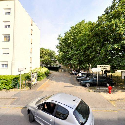 Léo Lagrange Centre Est - Centres de loisirs pour enfants - Dijon