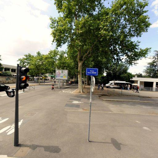 Université Claude Bernard Lyon 1 UCBL Domaine Scientifique La Doua - Enseignement supérieur public - Villeurbanne
