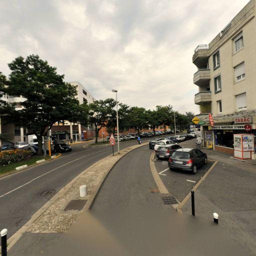 Parking Place de la Commune - Parking - Évry-Courcouronnes