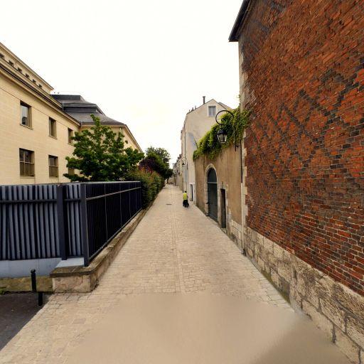 Maison des Chevaliers du Guet - Attraction touristique - Orléans
