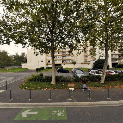 Lycee Gen Technolog Alienor Aqui - Infrastructure sports et loisirs - Poitiers