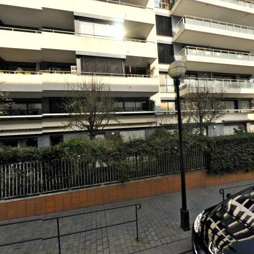 Rachel Valdenaire - Masseur kinésithérapeute - Paris