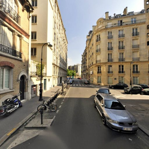 Station Vélib' Octave Feuillet - Albéric Magnard - Vélos en libre-service - Paris