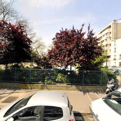 Square Sainte-Hélène - Parc et zone de jeu - Paris
