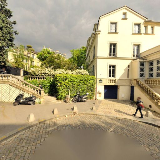 Château des Brouillards - Attraction touristique - Paris