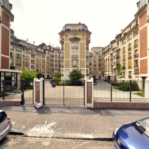 Francois Tamarin Corsets - Fabrication de vêtements - Paris