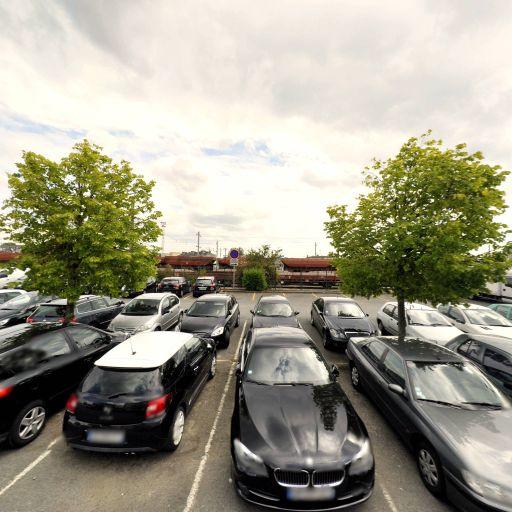 Parking Dépôt - Parking - Laval
