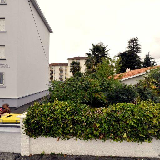 Borisservices - Ménage et repassage à domicile - Pau