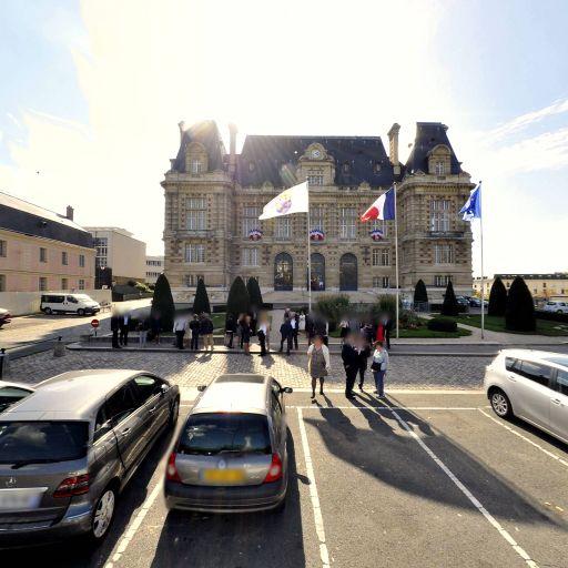 Jardin De l'Hôtel De Ville - Parc et zone de jeu - Versailles