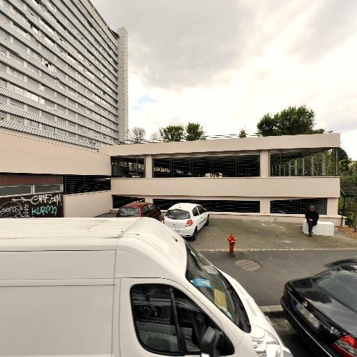 Parking Croix de Chavaux - Journaux, presse et magazines - Montreuil