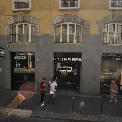 Levi's Store - Vêtements femme - Grenoble