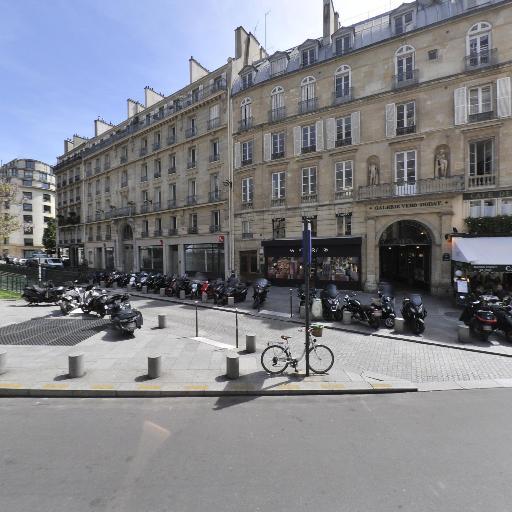 Croix des Petits Champs - Parking - Paris