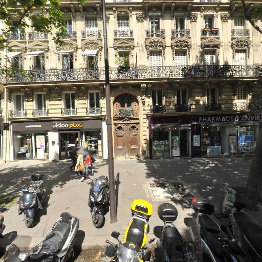 Selas Pharmacie Arthur Haccoun - Pharmacie - Paris