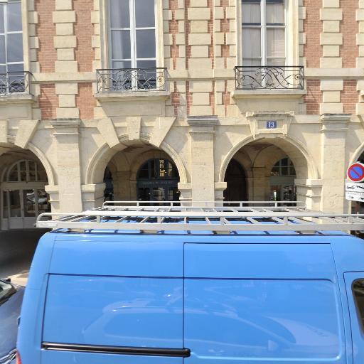 PHILIPPE et CLAUDE MAGLOI - Achat et vente d'antiquités - Paris