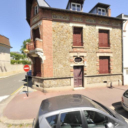 Saint Germain en Laye Enchères - Commissaire-priseur de ventes volontaires - Saint-Germain-en-Laye