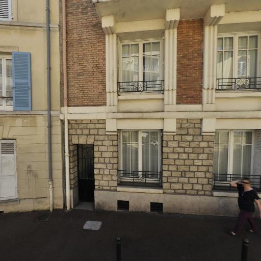 IAD France Esteve Eric Mandataire Indépendant - Mandataire immobilier - Saint-Germain-en-Laye