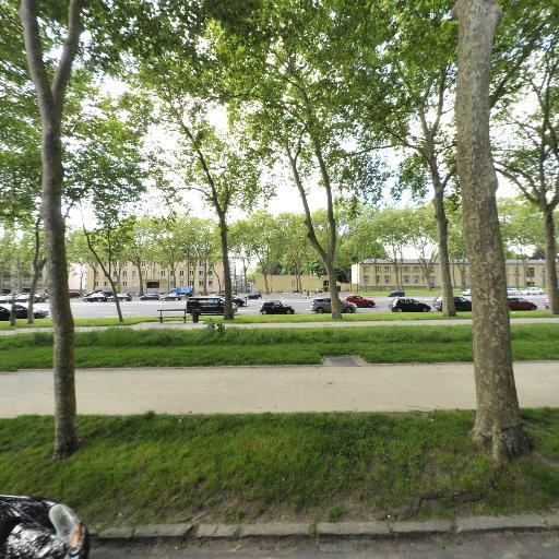 Université de Versailles Saint Quentin en Yvelines UVSQ - Enseignement supérieur public - Versailles