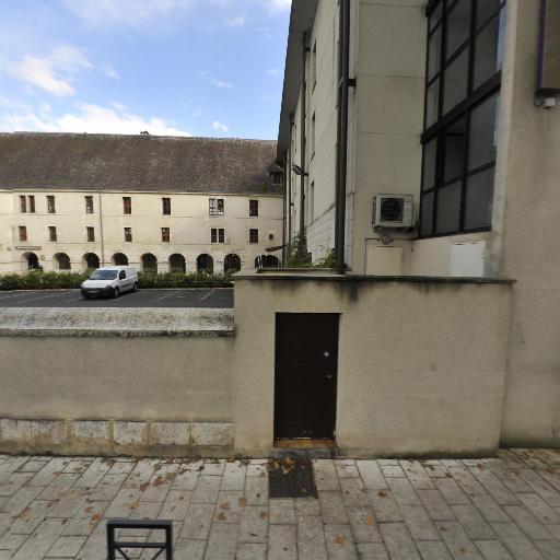Abbaye Saint-Ambroix - Attraction touristique - Bourges