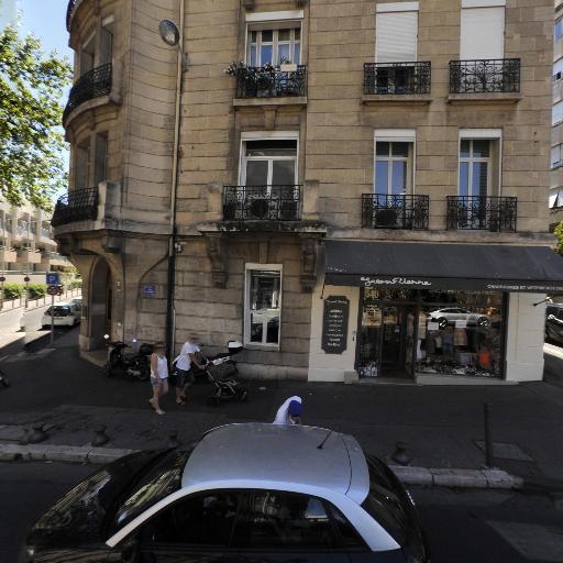 Michel Gilardenghi - Chirurgien-dentiste et docteur en chirurgie dentaire - Marseille