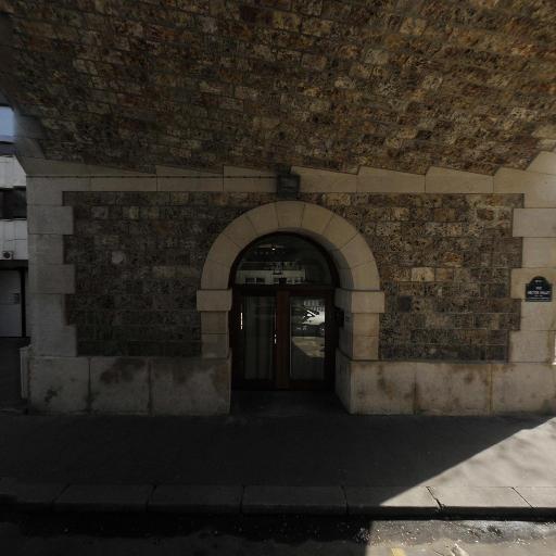 Upper Echelon Square - Leçon de musique et chant - Paris