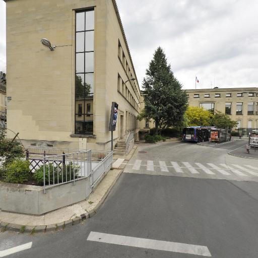 Parking Hôtel de Ville - Parking - Beauvais