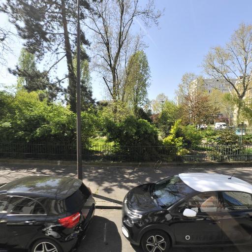 Square Du Docteur Calmette - Parc et zone de jeu - Paris