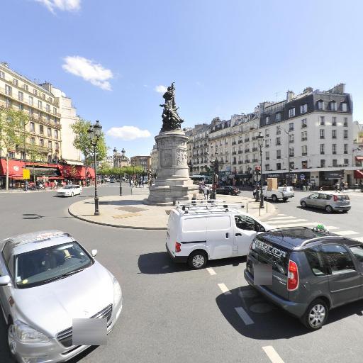 Place de Clichy - Attraction touristique - Paris