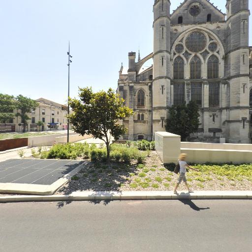 Indigo - Parking public - Nîmes