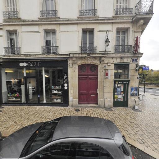 La Demi-Lune - Café bar - Orléans